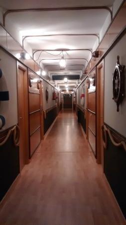 Hotel Kaype - Quintamar: Otro de los pasillos, en plan marinero