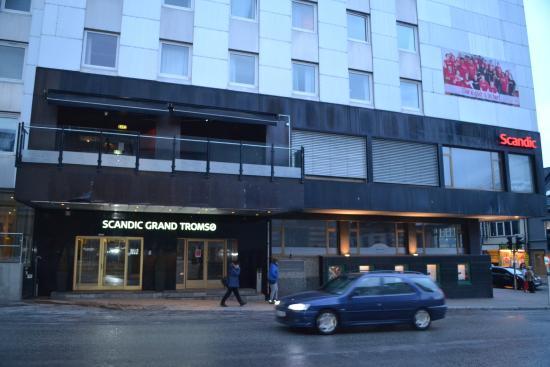 Scandic Grand Tromso: Hoofdingang hotel