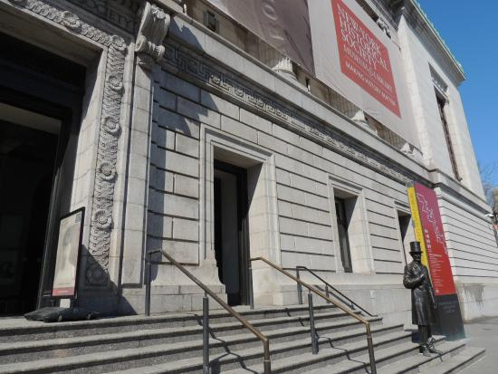 New-York Historical Society Museum & Library: Entrance on Central Park West