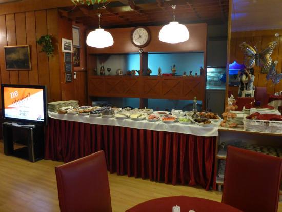 Konak Hotel: Breakfast area