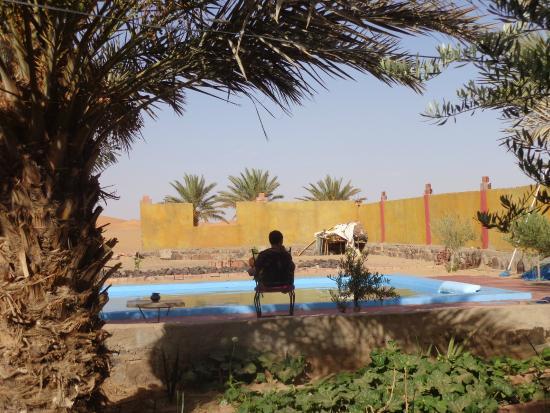 Auberge Amazir : Bick über den Pool Richtung Dünen