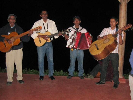 Finca Esperanza Verde: Live Music