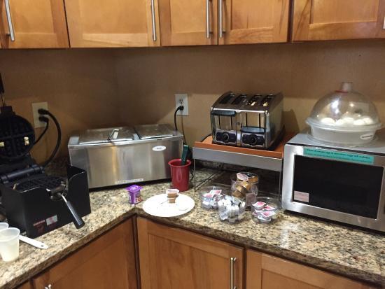 Best Western Orlando East Inn & Suites: Frühstück