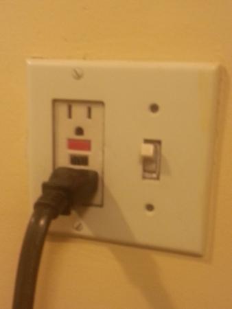 Days Inn Ocala West : light switch