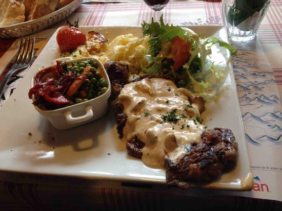 Steak sauce champignons, Gratin Duaphinois - Picture of La Ferme des Lindarets, Montriond ...