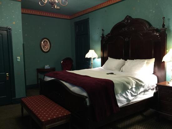 Theodora S Room Crescent Hotel