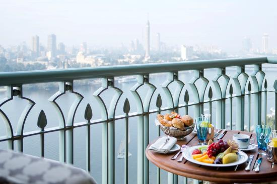 Four Seasons Hotel Cairo at Nile Plaza: Nile View room