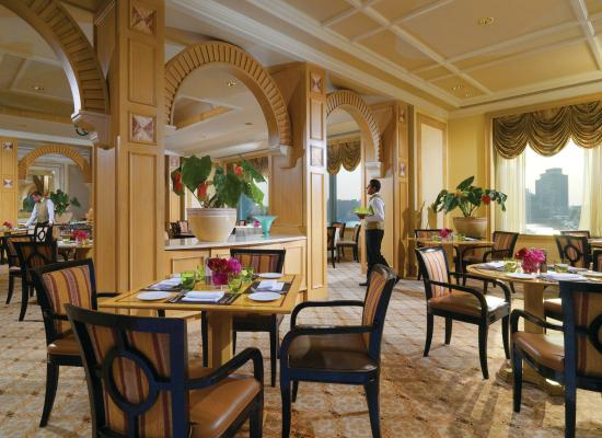 Four Seasons Hotel Cairo at Nile Plaza: Zitouni restaurant