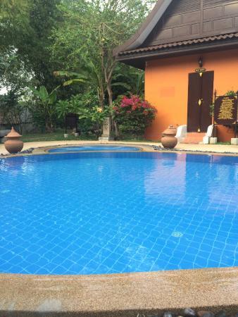 Pludhaya Resort and Spa: piscine