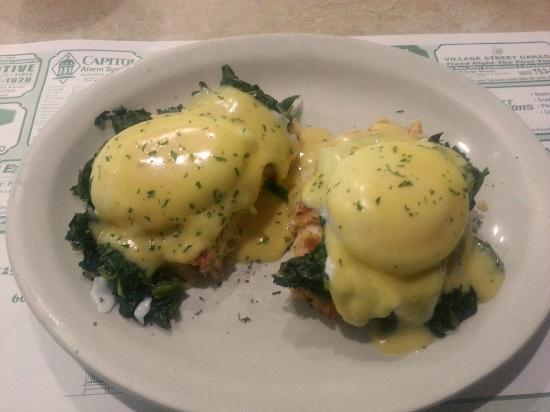 Newell Post Restaurant: Crab on Spinach Benedict