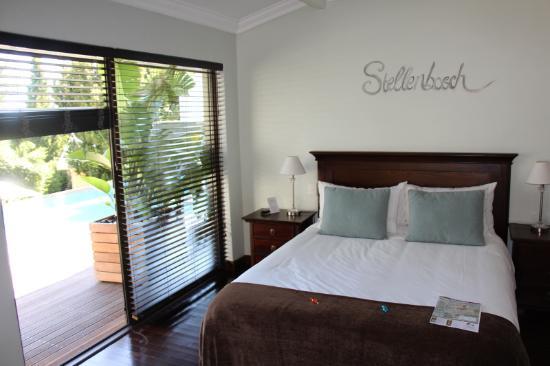Keren's Vine: Schlafzimmer, Terrasse, Pool