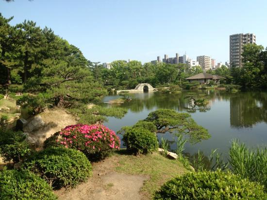 橋からの眺め - Picture of Shukkei-en Garden, Hiroshima - TripAdvisor