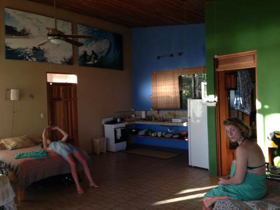 Santa Teresa Surf Vista Villas: Kitchen