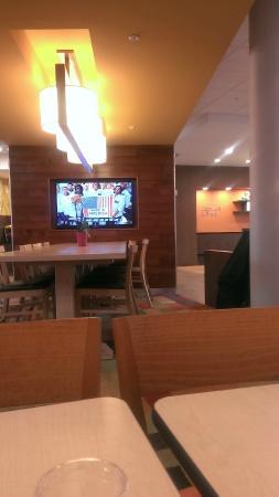 Fairfield Inn & Suites Oklahoma City Yukon : Breakfast Area