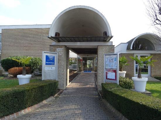 Novotel Valenciennes Aerodrome : Entrée