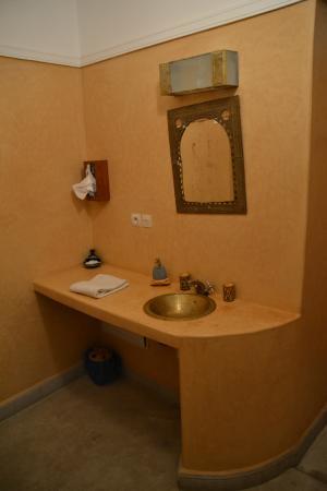 Riad El Kenz: Salle de bain de notre chambre