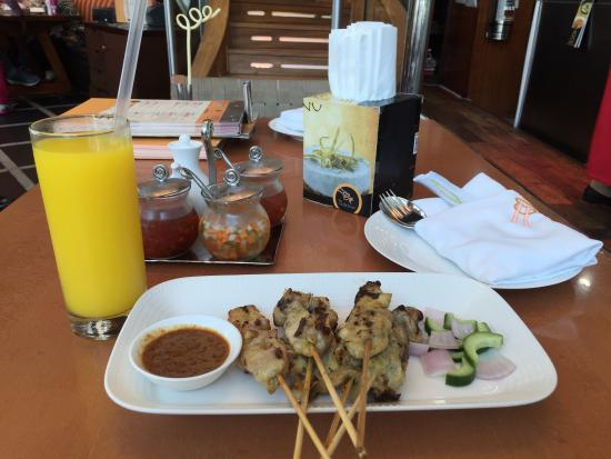 The Noodle House: Sate Ayam Gaya Indonesia