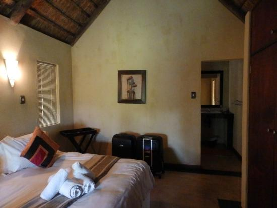 Nkonyeni Lodge & Golf Estate Hotel: chambre