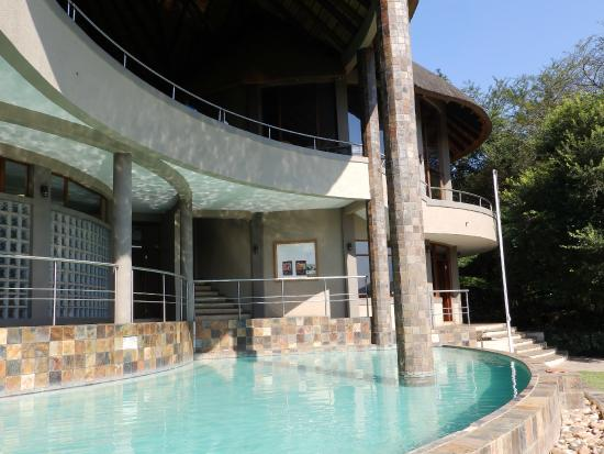 Nkonyeni Lodge & Golf Estate Hotel: piscine