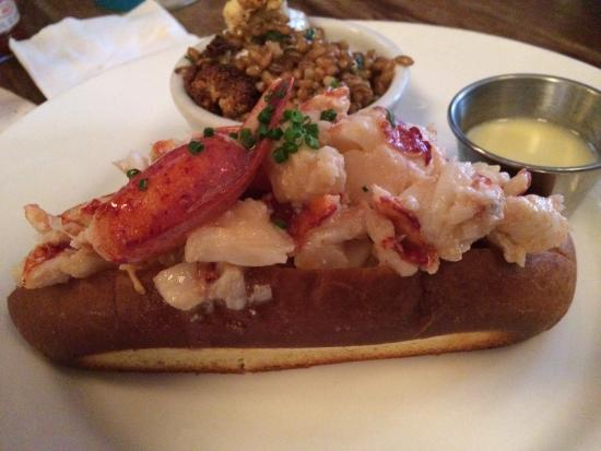 Thames Street Oyster House: Lobster Roll With Roasted Cauliflower