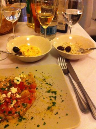 Zeus DOC Restaurant: Salse greche....!!!!!