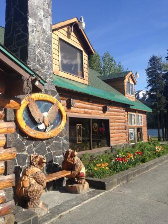 Summit Lake Lodge: Main Lodge