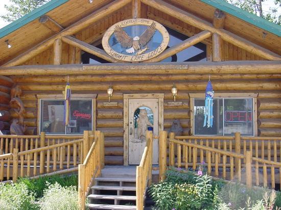 Summit Lake Lodge : coffee shop