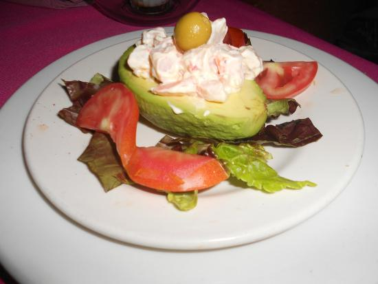 Chez Elena: Avocado filled with shrimp salad