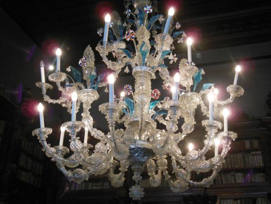lampadari mestre : ... DEI BELLISSIMI LAMPADARI DI MURANO - Picture of Museo Correr, Venice