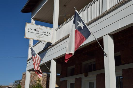 The Hotel Limpia : the sign and flag