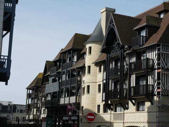 Mercure Deauville Centre : façade de l'hôtel