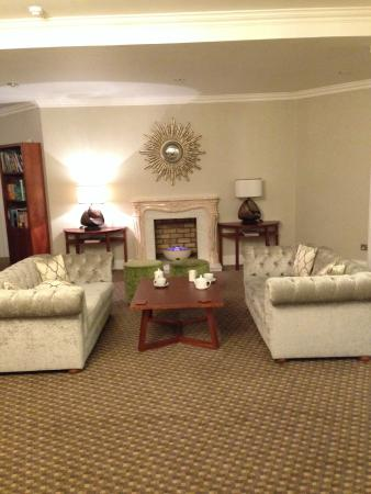 BEST WESTERN PLUS Centurion Hotel : Great Lounge Area