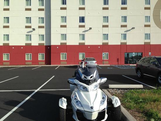 Comfort Suites Fredericksburg North: nice hotel