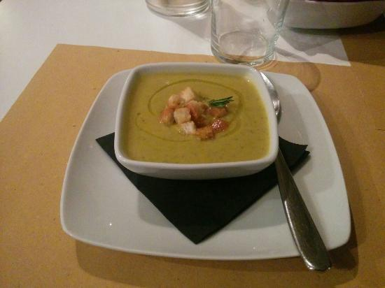 Vellutata di verdure con crostini e rosmarino - Picture of La ...