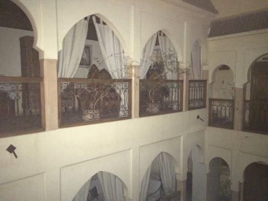 Dar Latifa : Blick auf die gegenüberliegende Galerie und Innenhof