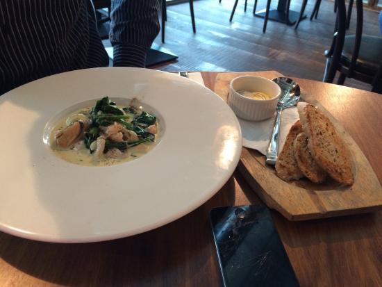 Uluru Bar & Grill: Seafood Chowder