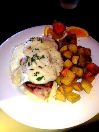 """I'd Eat There : """"Southern Benedict"""""""