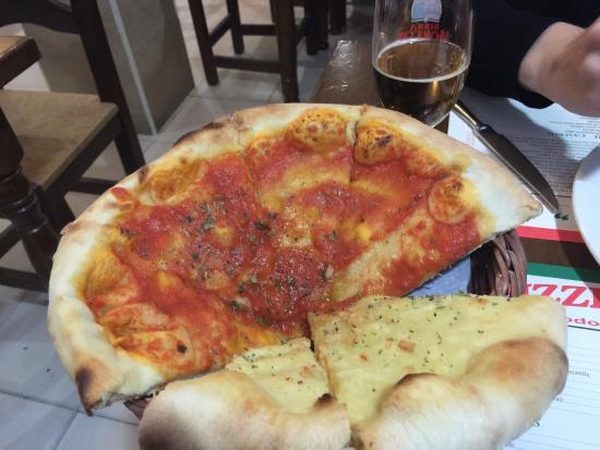 Piedina mitad ajo y perejil y mitad de tomate fotograf a de pizzeria la nonna granada - Pizzeria la nonna ...