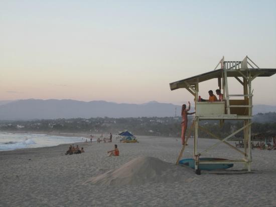 Cabañitas Buena Onda : The beach in front of Buena Onda