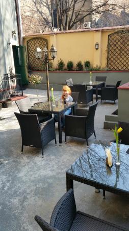 La Bicicletta Restaurant & Cafe: Ogródek - wiosna / Our garden - Spring 2015