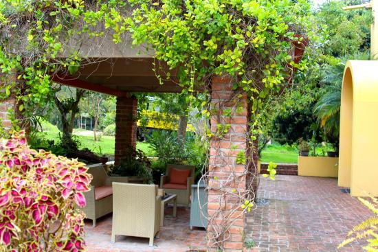 Villa Azalea - Luxury B&B: Front desk