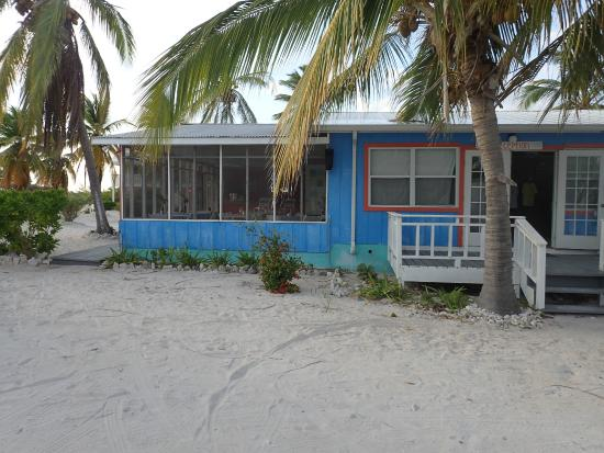 The Beach Bum Cafe : The tranquil Beach Bum Cafe