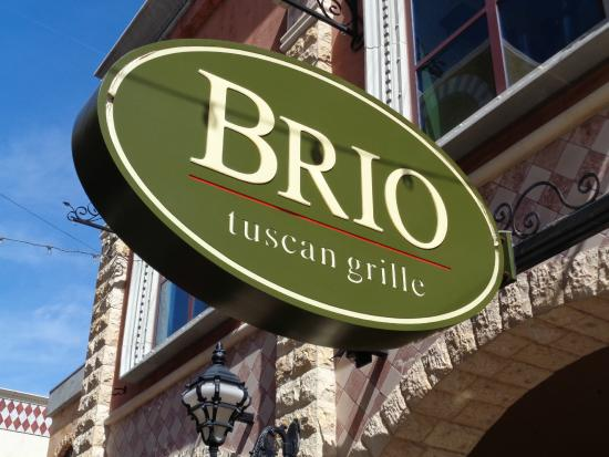 BRIO Tuscan Grille : Sign