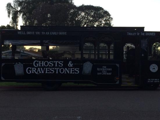 ‪Ghosts and Gravestones San Diego Frightseeing tour‬