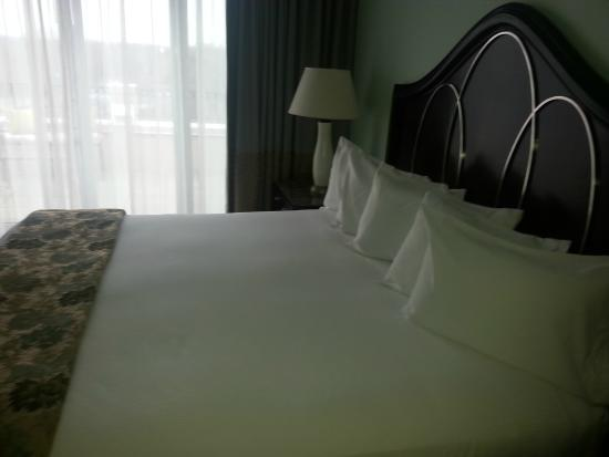 The Franklin: King size bed