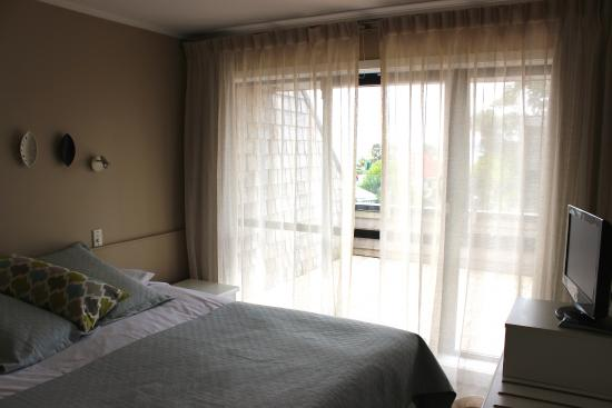 Master Bedroom With Sliding Door To Balcony Picture Of Pioneer Waterfront Apartments Paihia Tripadvisor