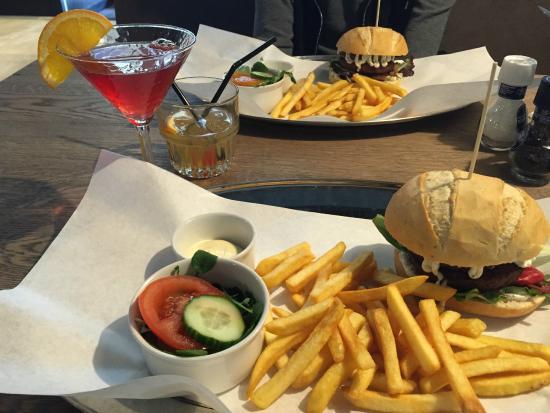 Photo of American Restaurant Hummbar at Utrechtsestraat 11, Amsterdam 1017 VH, Netherlands