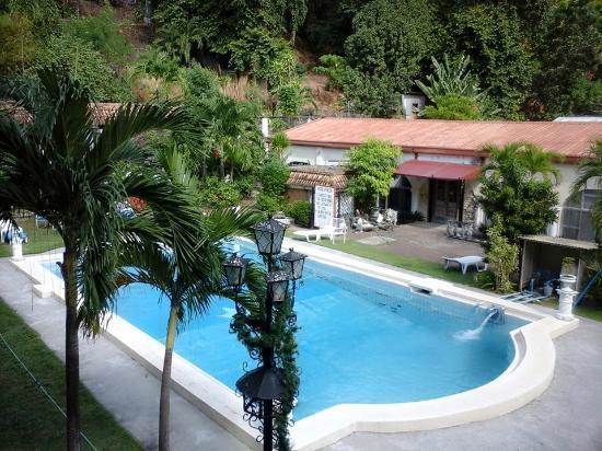 Hotel Bella Monte 39 S Pool And Landscape Picture Of Hotel Bella Monte Olongapo Tripadvisor