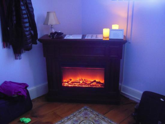 Salisbury Mills, NY: Room Faux Fire Place