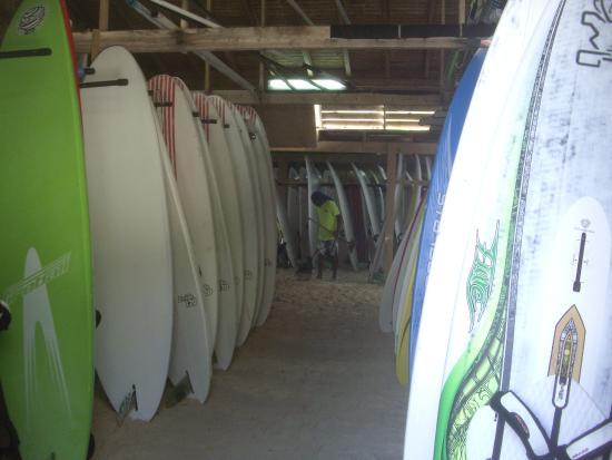 Bonaire Windsurf Place : Boards hangar